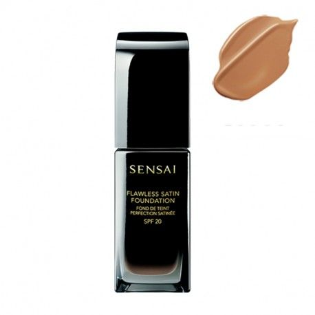 Flawless Satin Foundation SPF20 - FS204.5 Warm Beige